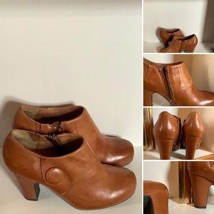 """MIZ MOOZ tan bootie, side zip and 3"""" heels NWOT"""